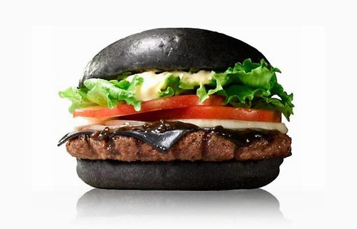 черные гамбургеры Бургер Кинг фото 2 (700x450, 98Kb)