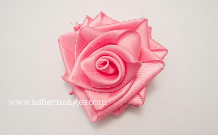 Роза из широкой атласной ленты. Мастер-класс (26) (700x433, 297Kb)