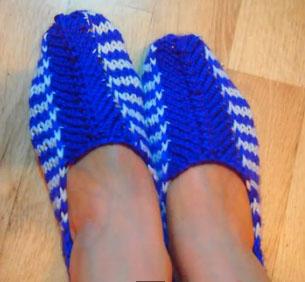 Вяжем спицами носки на двух спицах