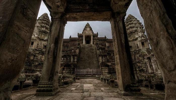 Изумительные храмы Юго Восточной Азии. Древняя архитектура— Индонезия, Лаос, Таиланд, Вьетнам, Мьянма, Малайзия, Филиппины, Камбоджа...