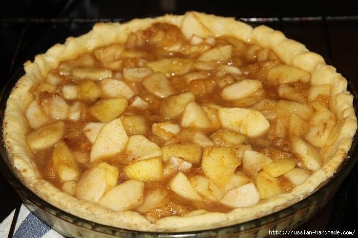 Яблочно-творожный пирог с бананами и корицей (13) (700x466, 236Kb)