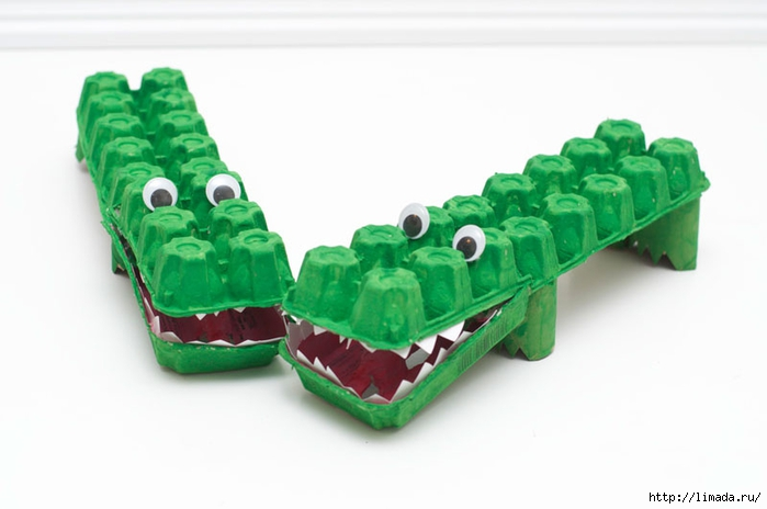 Egg-Carton-Alligator-Finishing-Touches2 (700x464, 128Kb)