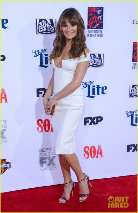 lea-michele-sons-anarchy-premiere-05 (455x700, 64Kb)