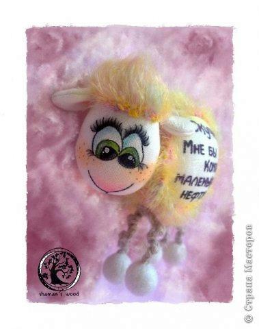 как сделать новогодний сувенир своими руками, новогодняя овечка своими руками,  как сшить овечку, как сделать текстильную овечку, выкройка овечки,  Хьюго Пьюго рукоделие,