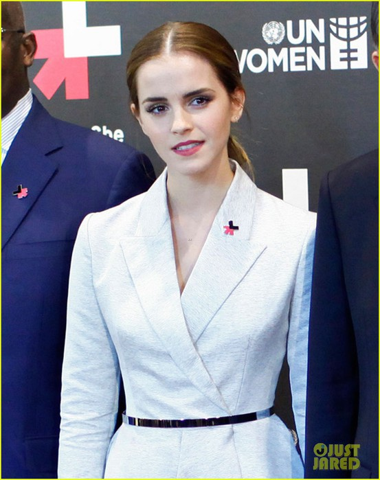 emma-watson-inspires-us-by-advocating-for-women-06 (553x700, 89Kb)