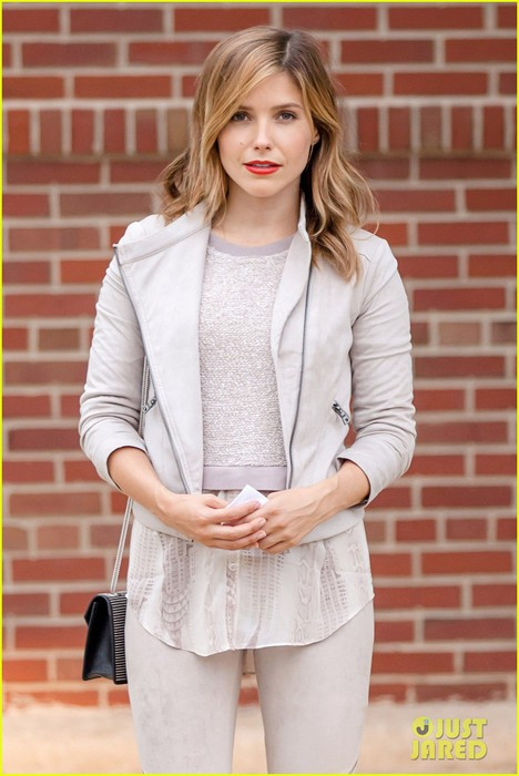 sophia-bush-chicago-beverly-hills-02 (468x700, 77Kb)