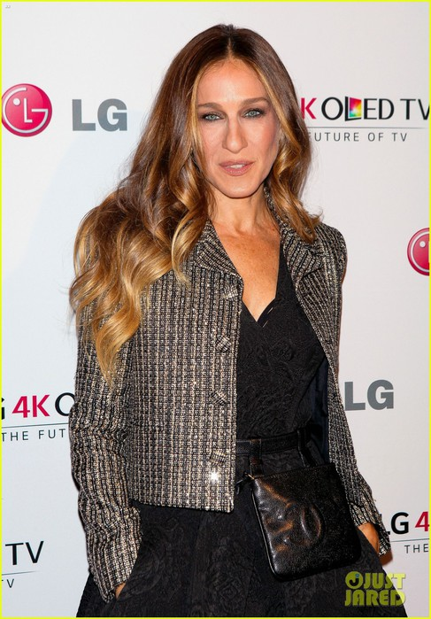 sarah-jessica-parker-meets-sam-smith-at-gala-03 (487x700, 109Kb)