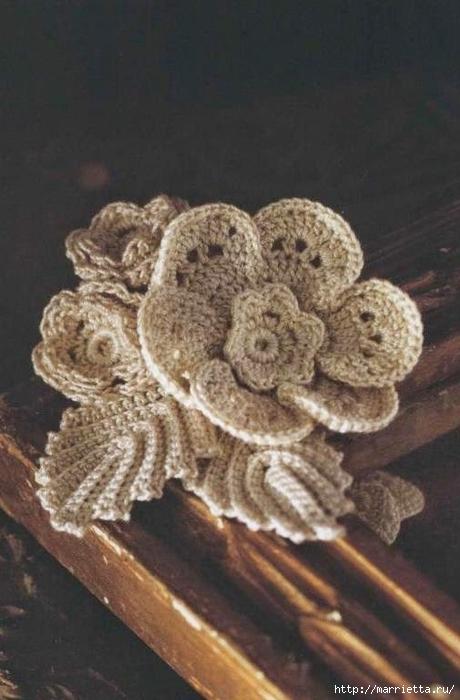 Брошь из цветочков крючком. Схемы (460x700, 201Kb)