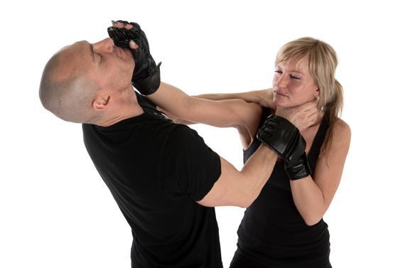 Чему учат накурсах самообороны