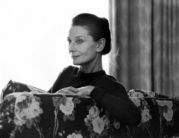 Hepburn21 (700x539, 202Kb)