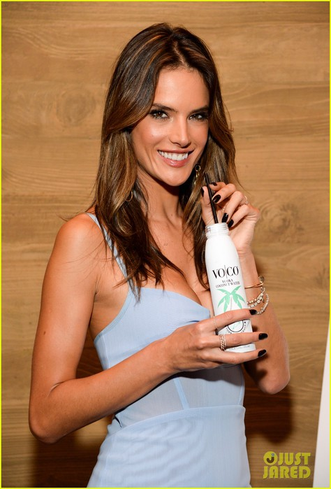 alessandra-ambrosio-vo-co-new-spokesperson-03 (474x700, 77Kb)