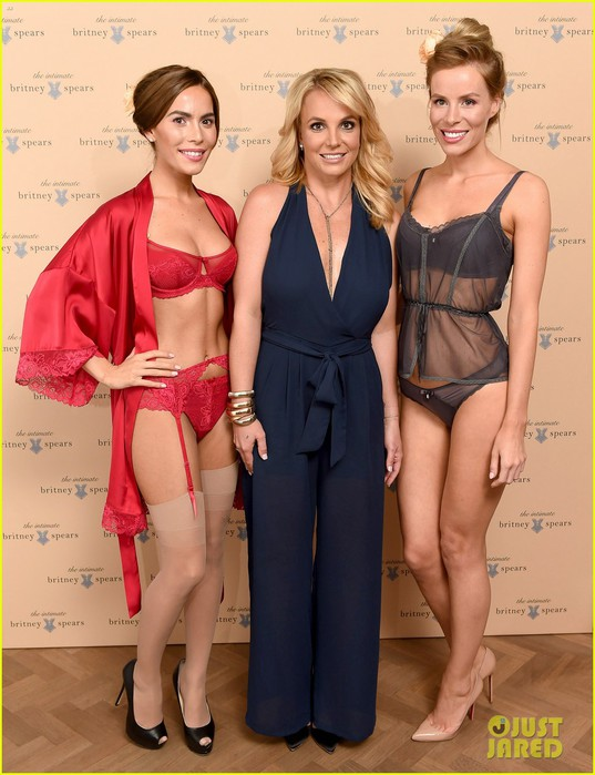 britney-spears-new-lingerie-collection-in-london-03 (537x700, 92Kb)