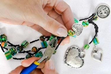 4584558_makingjewelry375x2721 (375x252, 32Kb)