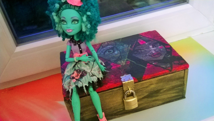 Monster High/3285014_MonsterHigh (700x394, 202Kb)