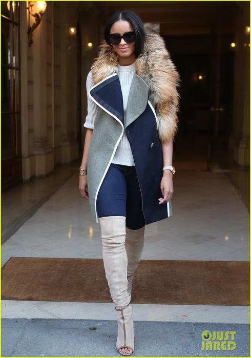 ciara-paris-fashion-week-giving-back-engagement-ring-future-03 (490x700, 76Kb)