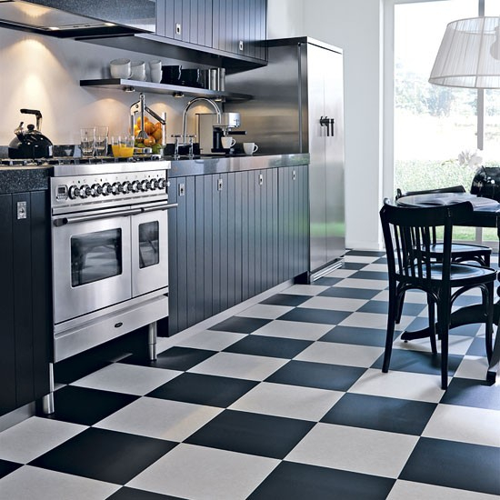 black-white-checkerboard-floors-tiles-in-kitchen10-1 (550x550, 231Kb)