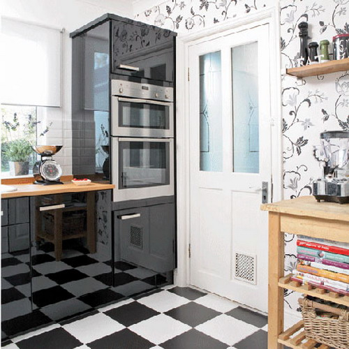 black-white-checkerboard-floors-tiles-in-kitchen10-3 (500x500, 204Kb)