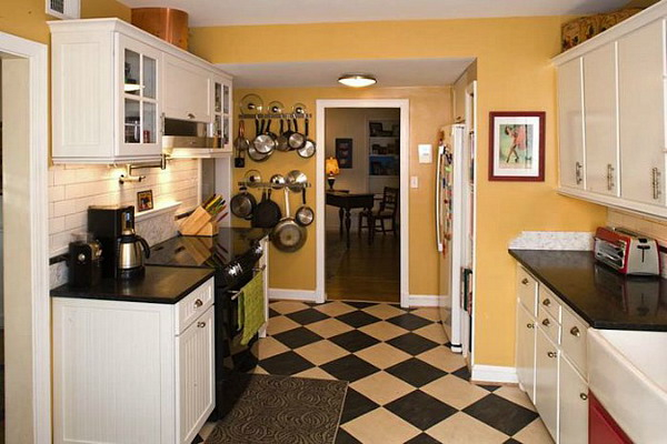 black-white-checkerboard-floors-tiles-in-kitchen7-6 (600x400, 211Kb)