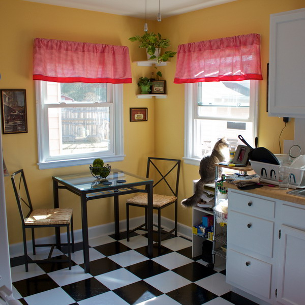 black-white-checkerboard-floors-tiles-in-kitchen11-1 (600x600, 290Kb)