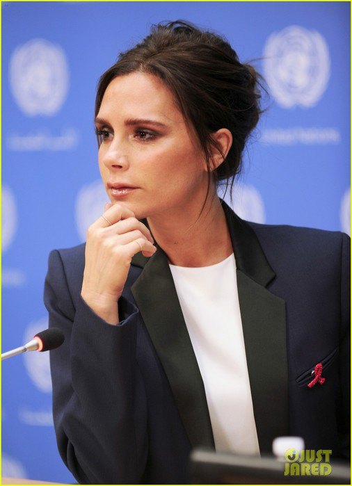 victoria-beckham-skips-fashion-store-opening-for-un-02 (506x700, 59Kb)