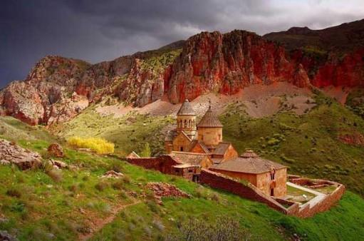 монастырь Нораванк (511x338, 61Kb)