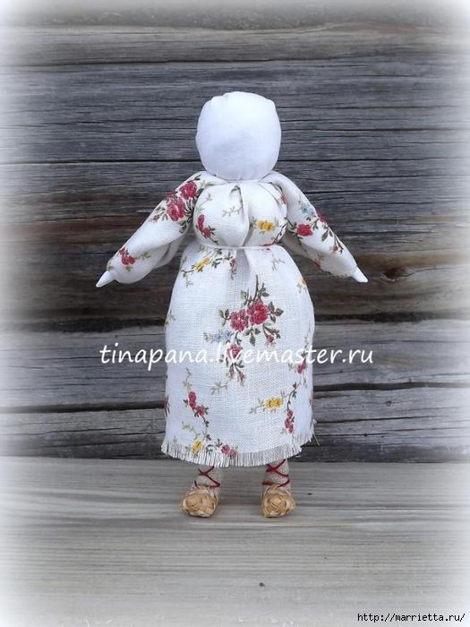 Как сшить народную традиционную куклу Рябинку (11) (525x700, 244Kb)