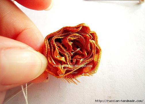 Роза из ленты для создания украшений. Мастер-класс (14) (504x360, 97Kb)