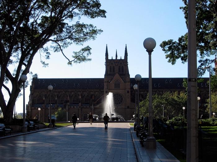 Австралия – страна кенгуру и приятного климата.
