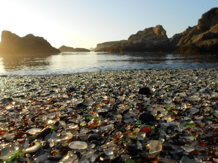 Glass-beach3 (700x525, 123Kb)