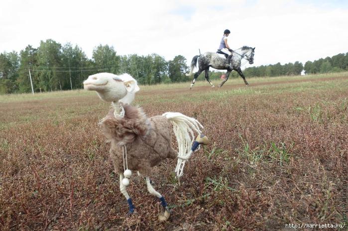 Романтичная лошадка СНЕЖКА в технике сухое валяние (1) (700x465, 303Kb)