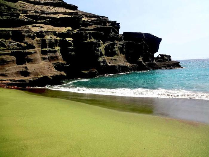 зеленый пляж на гавайях фото 1 (700x525, 316Kb)