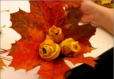 Розы из осенних листьев своими руками (25) (400x280, 119Kb)