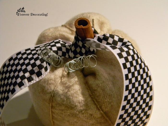 Декоративная интерьерная тыква из шерсти. Мастер класс