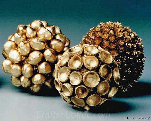 golden-nut-spheres-wm (600x481, 176Kb)