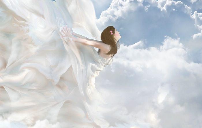 Женщина с ехидной улыбкой подбежала сзади схватила за плечи и потащила высоко в небо.