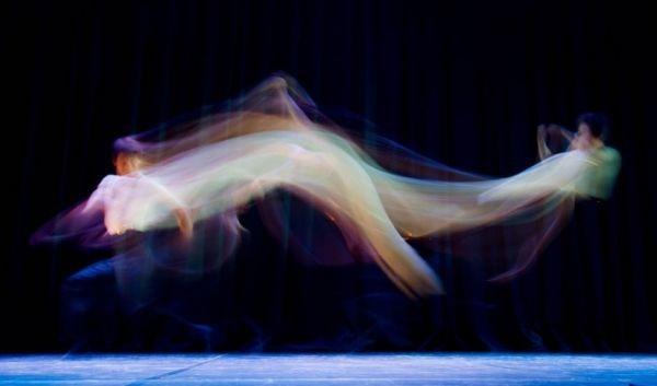 long-exposure-ballet-dancers_4 (600x353, 100Kb)