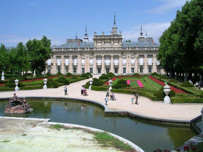 Королевский%20дворец%20Ла-Гранха-де-Сан-Ильдефонсо_Испания12 (700x525, 84Kb)