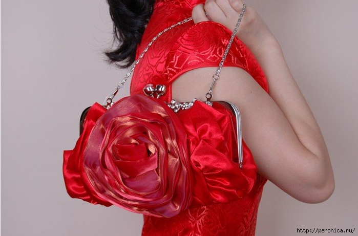 Red-Rose-Crystal-Flowers-Frame-Satin-Bridal-Wedding-Party-Evening-handbag-Clutch-purse-with-chain-1pcs (700x461, 180Kb)