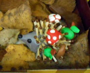 из чего можно сделать ежика, как сделать ёжика из природных материалов, из каких природных материалов сделать ежика, ёжик из шишки смотреть фото, ёжик из семечек смотреть фото,  осенние поделки детей, поделки детей из природных материалов,  Хьюго Пьюго что можно сделать вместе с детьми,