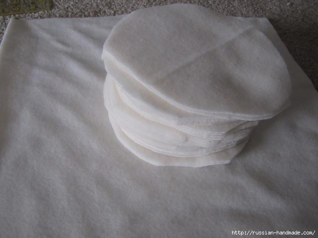 Шитье подушки - красавицы с розочками из флиса (2) (640x480, 110Kb)