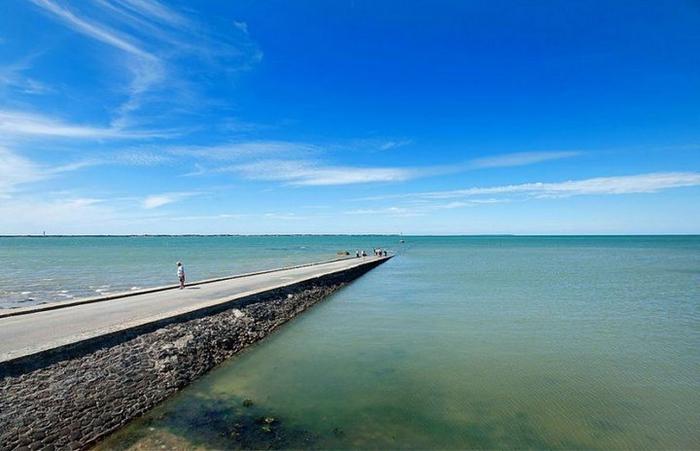 Дорога Пассаж дю Гуа в заливе Бурньёф франция 2 (700x451, 264Kb)