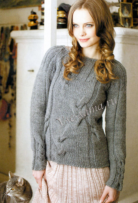 Seryi-pulover-spitcami-s-kosami-ris (474x700, 123Kb)