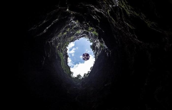 на воздушном шаре под землю 7 (700x449, 130Kb)