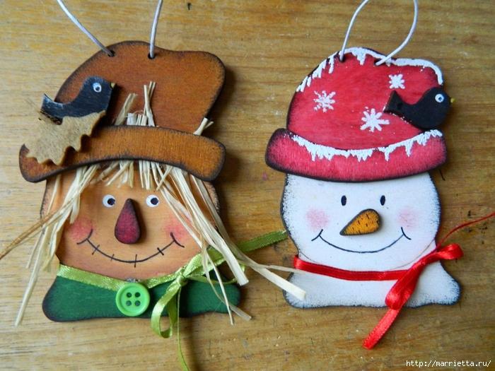 Новогодние подвески. Пугало и снеговик из фанеры (7) (700x525, 328Kb)