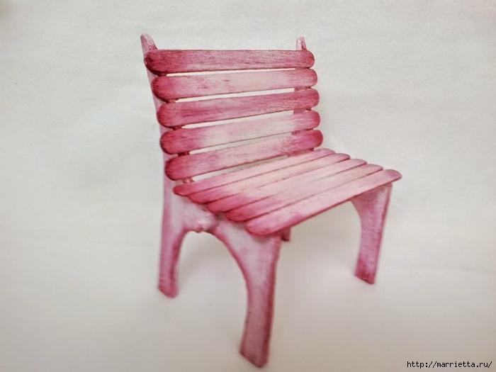 Для кукол. Садовая скамейка из палочек от мороженого (30) (700x525, 147Kb)