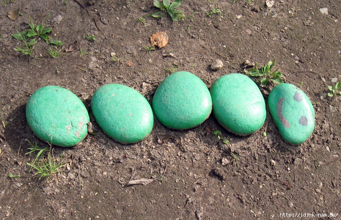 поделки для дачи, как украсить дачу, поделки из камней. что можно сделать из камней, поделки для площадки в детском саду. поделки для детской площадки, поделки для участка детского садика, Хьюго Пьюго рукоделие,