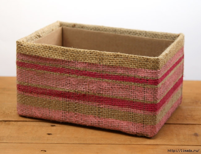 make-burlap-storage-box-apieceofrainbowblog-5 (650x498, 185Kb)