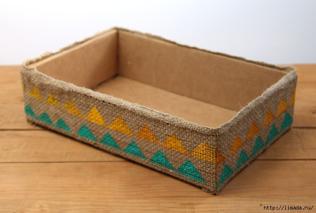 make-burlap-storage-box-apieceofrainbowblog-7 (650x437, 133Kb)