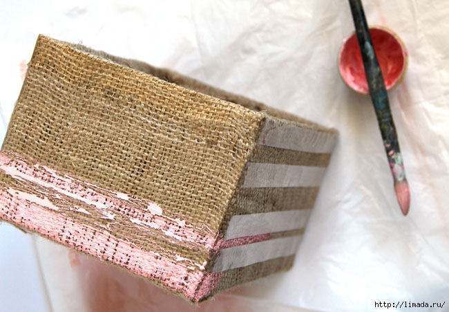 make-burlap-storage-box-apieceofrainbowblog-17 (650x451, 198Kb)