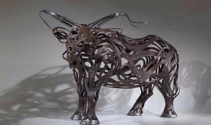 проволочные скульптуры Сен Хун Кан 2 (700x413, 194Kb)